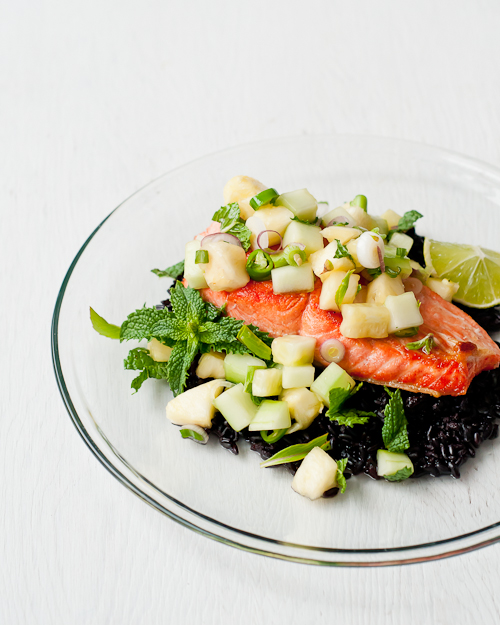 salmon-thai-pineapple-cucumber-salad