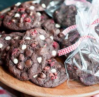 raspberries n' cream double chocolate chunk cookies