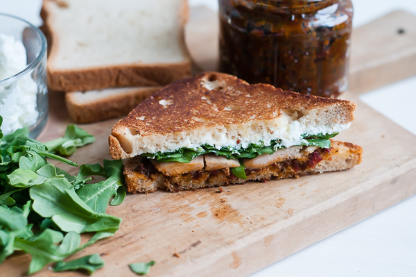 pesto chicken sandwich_