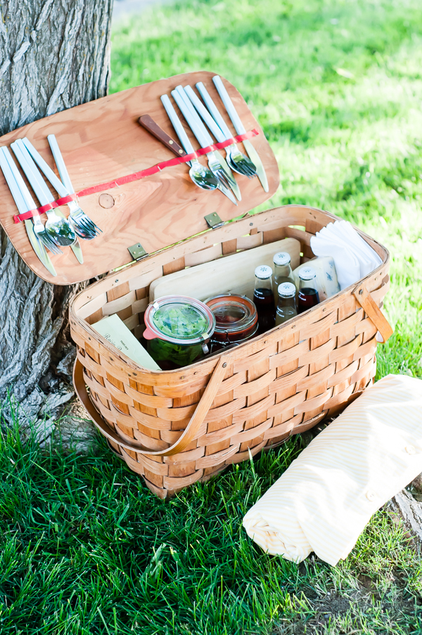 picnic basket lunch