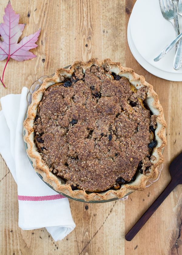 Gluten_Free_Pear_Pie_with_Dried_Fruit-11