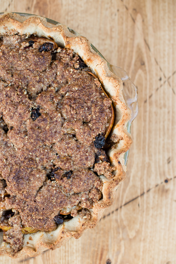 Gluten_Free_Pear_Pie_with_Dried_Fruit-16