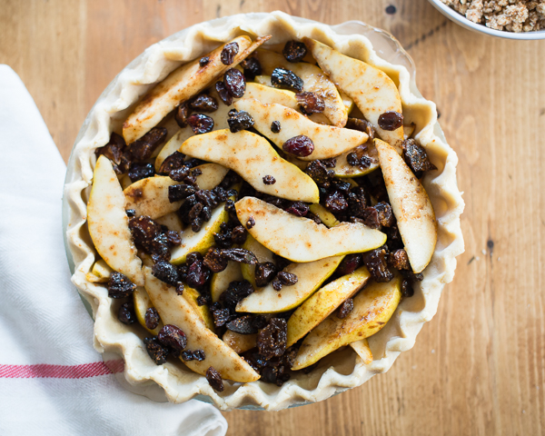 Gluten_Free_Pear_Pie_with_Dried_Fruit-5