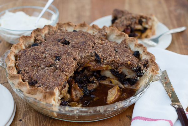 Gluten_Free_Pear_Pie_with_Dried_Fruit-7