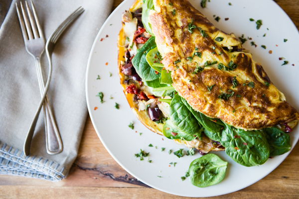 Mediterranean Omelet with Olives and Sun-Dried Tomatoes