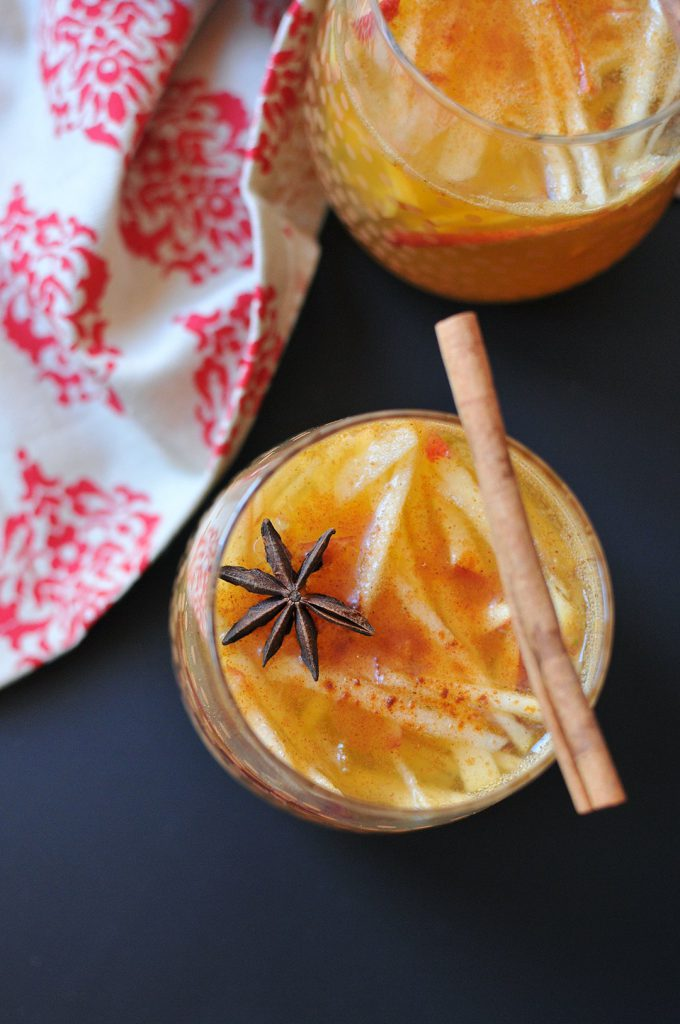 Apple Pie Sangria from Nosh and Nourish