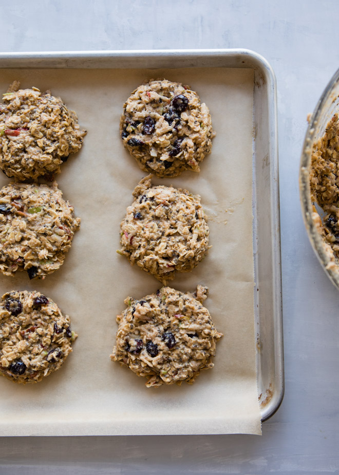 Apple Breakfast Cookies | CafeJohnsonia.com