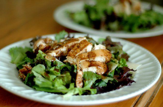 Marinated Balsamic Chicken | CafeJohnsonia.com